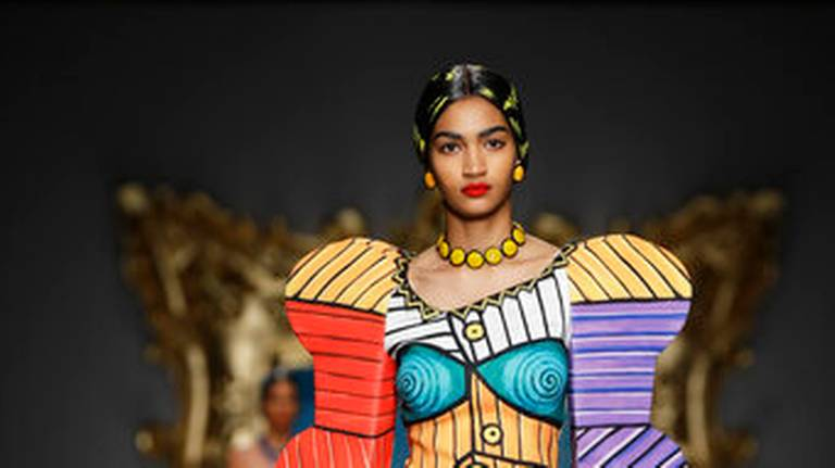 Fendi lets sun shine on post-Lagerfeld era, glancing back